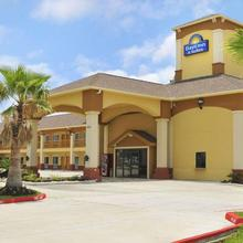 Days Inn By Wyndham Humble/houston Intercontinental Airport in Humble