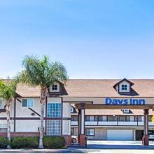 Days Inn By Wyndham Long Beach City Center in San Pedro