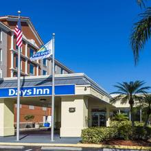 Days Inn By Wyndham Melbourne in Melbourne