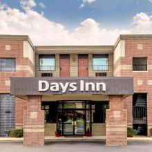 Days Inn By Wyndham Vineland in Millville