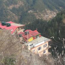 Decent Stay Near Sanjauli in Chail