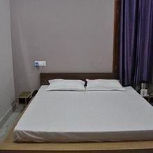 Deep Hotel in Ladrawan