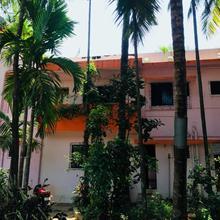 Deeplata Nivas Nyahari in Malvan