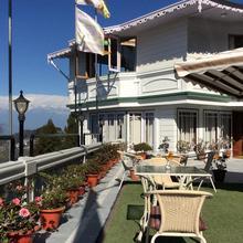 Dekeling Resort at Hawk's Nest in Darjeeling