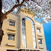 Deluxe Hotel in Vandalur