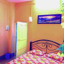 Den-Vennel Guest House in Chak Enayetnagar