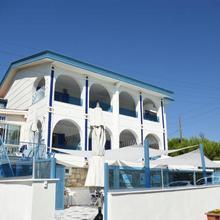 Deniz Evi Otel in Karfas