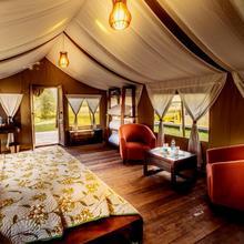 Desert Himalaya Resort in Deshkit