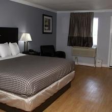 Destin Inn and Suites in Valparaiso