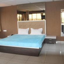 Dev Motel And Banquet Hall in Anand