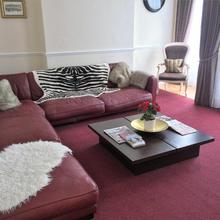 Devonshire House in Bath