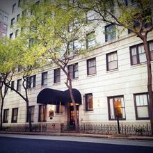 Dewitt Hotel And Suites in Chicago