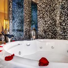 Dharma Luxury Hotel in Rome