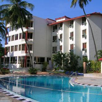 Dolphin Bay Hotel in Pilerne