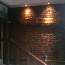 Dolphin Hotel in Thadikombu