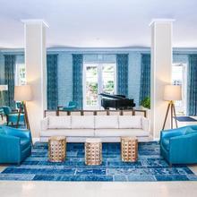 Dorchester Hotel & Suites in Miami Beach