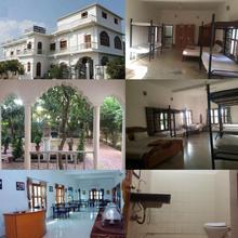 Dormitory Bed & Breakfast in Khajuraho