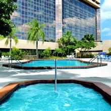 Doubletree By Hilton Hotel Miami Airport & Convention Center in Miami Lakes