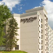 DoubleTree by Hilton Pittsburgh - Meadow Lands in Washington