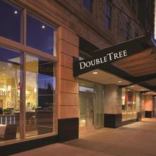 Doubletree Suites By Hilton Detroit Downtown - Fort Shelby in Detroit