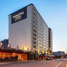 Doubletree Suites By Hilton Minneapolis in Minneapolis