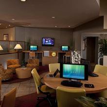 DoubleTree Suites by Hilton Phoenix in Phoenix