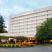 Doubletree Suites By Hilton Seattle Airport/southcenter in Renton