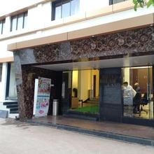 Dreamland Hotel in Pune