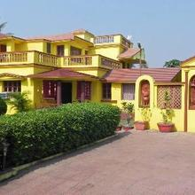 Dreamz Khoai Resort in Shanti Niketan