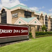Drury Inn & Suites Houston Sugar Land in Houston