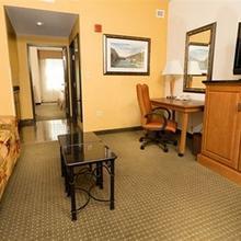 Drury Inn & Suites Near La Cantera Parkway in Oakland Estates