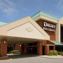 Drury Inn & Suites St. Louis - Fairview Heights in O'fallon