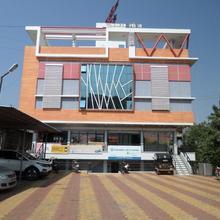 Dwarka Lodge in Dhule