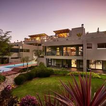 Dynasty Forest Sandown Hotel & Conference Center in Johannesburg