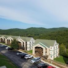 Eagle's Nest Condo Resort in Branson