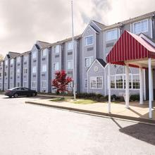 Econo Lodge Inn And Suites Greenville in Greer