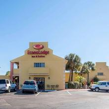 Econo Lodge Inn & Suites Maingate Central in Kissimmee