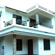 Eden Holiday Home in Panamaram