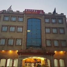 Eiffel Grand Hotel in Panipat