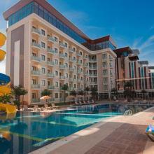 Elegance Resort Hotel in Topcular