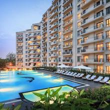 Elegant Suites Westlake in Hanoi
