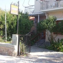 Eleni Studios & Apartments in Bademli
