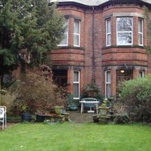 Elm Bank Lodge Guest House in Calverton