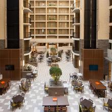 Embassy Suites By Hilton Bloomington/minneapolis in Bloomington