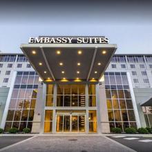 Embassy Suites - Newark Airport in Linden