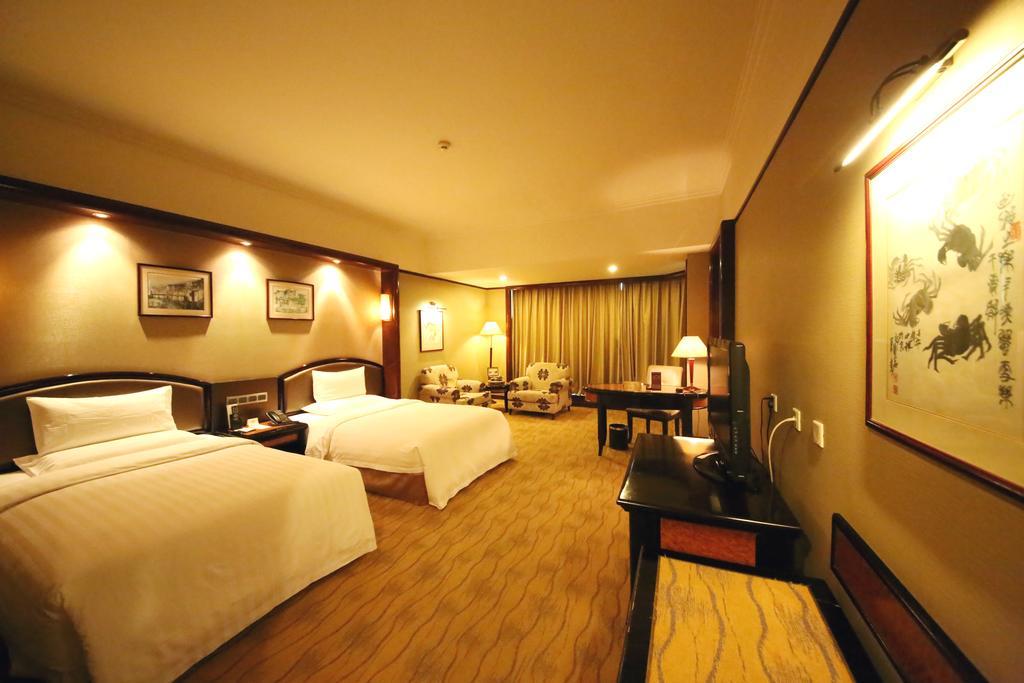 Empark Grand Hotel in Lengquan