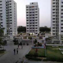 Entire 1 Bhk Cozy Apartment Garden View Visual Delight in Gandhinagar