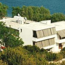 Esperides Hotel in Thymiana