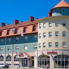 Europa Hotel És Étterem in Nyirtura