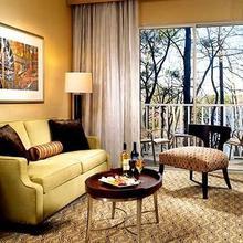 Evergreen Marriott Conference Resort in Leslie Estates